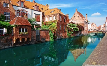 Tourist information at https://www.visitbruges.be/en