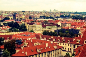 https://1number.me/2016/10/30/cheapest-flight-airbnb-history-culture-and-dogs-enchanting-prague/