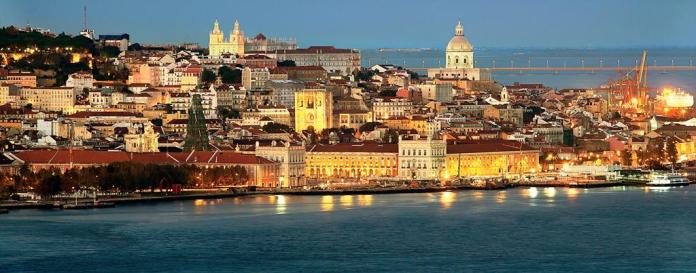 Tourist information at www.visitlisboa.com/